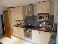 4-Bed House For Rent in the Heart of New Cross & New Cross Gate. 5 mins Walk to Train Station.