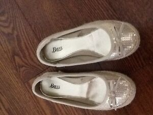 Girls bass size 12 sparkly flats London Ontario image 1