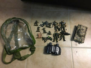 Army Action figures with Knapsack & army jeep