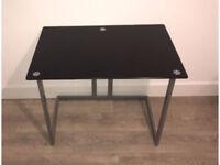 Glass office desk - Black