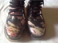 New look ladies boots size: 5/38 used £4