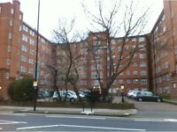WONDERFUL SPACIOUS SINGLE ROOM WITH A BIG WARDROBE IN A VERY CLEAN AND QUIET FLAT, ALL INCLUSIVE
