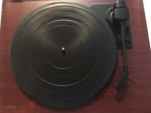 Teac TN-100 Belt-Drive Turntable Preamp and USB record player