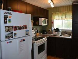 Perfect Small House in Country close to Skiing, Nature, + VIEWS West Island Greater Montréal image 6