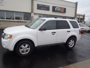 2009 Ford Escape XLT,4WD...2.5L, 4CYL. SUV.