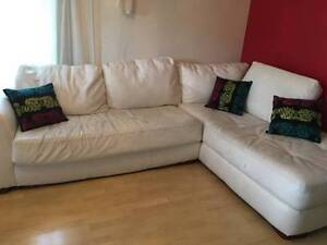 L shaped/corner Couch