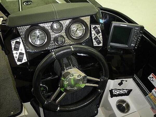 Used 2013 Larson FX1750DC