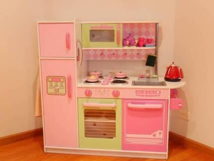 Kids Indoor Kitchen