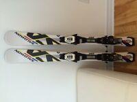 Skis Salomon pour enfant (100 cm)
