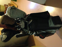 For Sale Set of Golf Clubs with Golf Bag