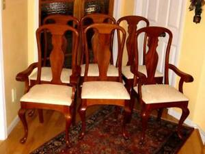 6 Elegant Solid Mahogany Queen Anne Chairs, CoffeTable, Top Cond