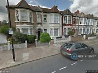 Studio flat in Willingdon Road, London, N22