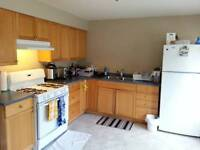 CLEAN / FURNISHED BEDROOM NEAR PATTERSON SKYTRAIN