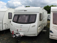 SPACIOUS CARAVAN WITH 'ISLAND' FIXED BED