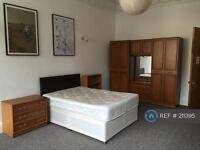 5 bedroom flat in Bruntsfield Place, Edinburgh, EH10 (5 bed)
