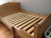 Extendable toddler to twin bed with foam mattress