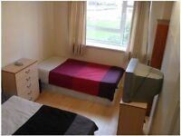 ARE YOU READY FOR THIS???.. FANTASTIC MASTER ROOM AVAILABLE IN SHADWELL!