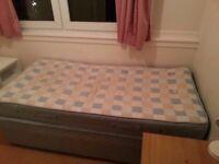 single room to let in kingston