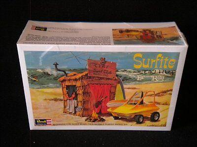 Revell Surfite with Tiki Hut 1/25 Kit (Tiki Hut Kits)