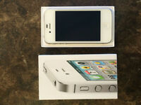 IPhone 4S 32GB IN BOX with Accessories