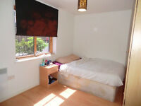 Lovely rooms near Victoria Station. Single and double. £150 pw