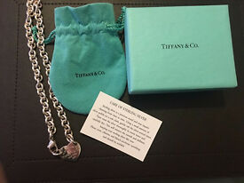 Genuine Tiffany necklace excellent condition with gift box and pouch