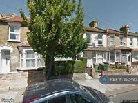 1 bedroom flat in Strone Road, Manor Park, E7 (1 bed)