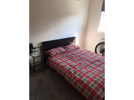 1 Double room to rent in a 3 bedroom house,BILLS INCLUDED AND FAST WIFI THROUGHOUT