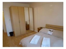 Beautiful double bedroom in Canary Wharf.