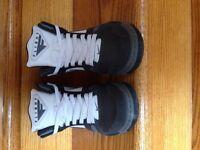 Nike boys grade school size 7 shoes