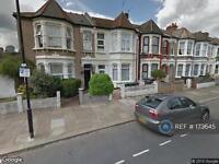 Studio flat in Willingdon Road, London, N22