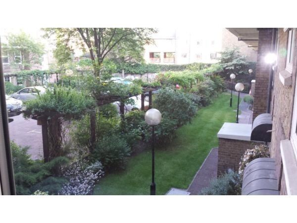2 Bed property - Riverside Manssions - Wapping E1W