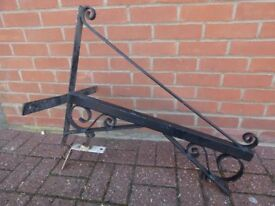 Hanging Sign Bracket - Heavy Duty Wrought Iron. Scroll design with cross bracket fixing.