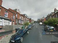 2 bedroom house in Woodside Avenue, Leeds, LS4 (2 bed)