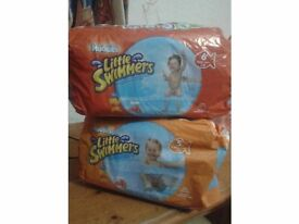 Huggies Little Swimmers Size 5 and 6 Nappies