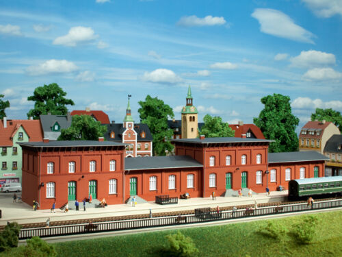 Auhagen 13329 Tt Gauge, Railway Station Neustadt # New Original Packaging #