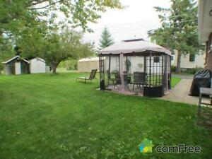 Brick Bungalow,  Ingleside Village, Motivated to sell Cornwall Ontario image 8