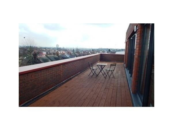 STUNNING LUXURY 1 BEDROOM FLAT WITH PRIVATE ROOF TERRACE NEAR WEMBLEY CENTRAL STATION & MAJOR SHPOS