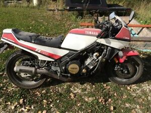 wanted the 1986 yamaha fz 750 that was listed in kijiji  in 2015