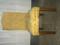 A set of 6 exeptional dinning chairs for sale