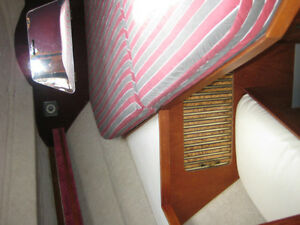 1984 Cruisers Yachts 336 Ultra Vee   $15,900.00 Cambridge Kitchener Area image 9