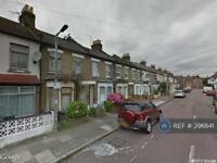 2 bedroom flat in Malvern Road, Tottenham, N17 (2 bed)