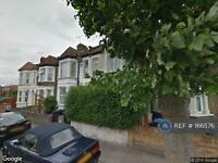 3 bedroom flat in Roundwood Rd, London, NW10 (3 bed)