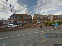 2 bedroom house in Charlwood Road, Luton, LU4 (2 bed)