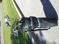 GOLF CLUBS AND BAG - RIGHT HAND