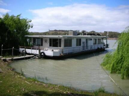 HOUSEBOAT TOLARNO Mannum Mid Murray Preview