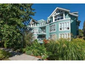 HEART OF COMMERCIAL DRIVE - QUIET - 2 PARKING - EVERGREEN PL