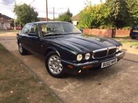 Jaguar xj8 auto petrol leather interior 2 former keepers full service history only 60K on the clock