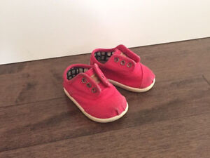 Toms - baby size 3