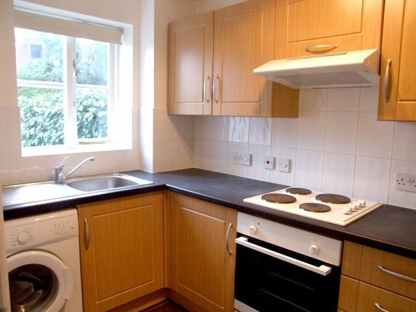 Lovely one double bed flat, Southgate, N14 - £258.00 per week